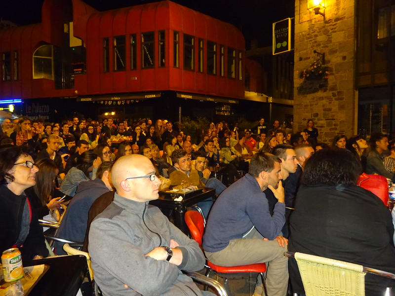 But no. Its not to be... legions of resigned supporters watching the final seconds play-out... La France 0, Le Portugal 1.<br /> C'etait terrible. Mon dieu... Pas de fete ce soir!