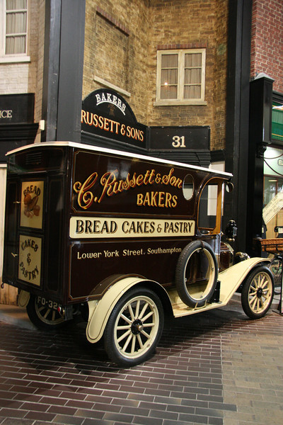 1914 Ford Model T Bakers Van