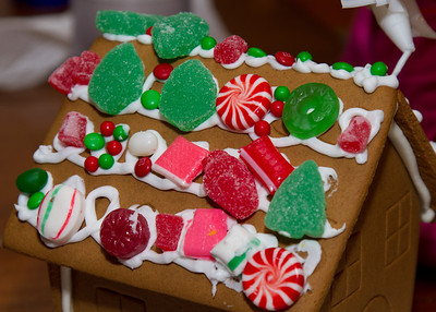 20111220_Gingerbread_Houses_13