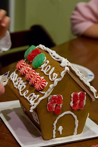 20111220_Gingerbread_Houses_17