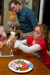 20111220_Gingerbread_Houses_04