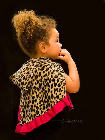 young Girl in leopard cape 5845