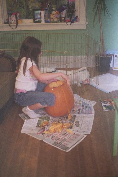 Steph carving pumpkins