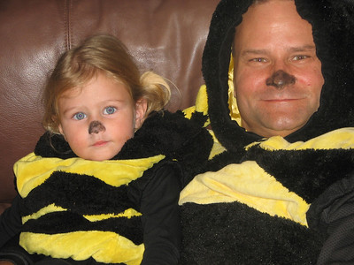 Even cuter was that her dad, John, was Daddy Bumble Bee - straight down to the tights and everything.  The only better trick or treater that I saw out there that night was the guy dressed up as the Tooth Fairy.  these two were precious.