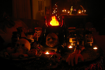 Spooky Halloween table.