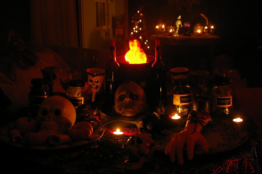 Spooky Halloween table.