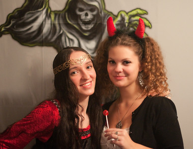 Halloween Party Photographer Mariana Roberts in Syracuse NY, Baldwinsville NY, Liverpool NY, and Central NY.