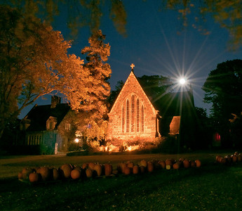 A full moon, harvest pumpkins, and a beautifully lit church in Sleepy Hollow, New York. offer an amazing photo opp the week before Halloween.  All that's missing is Ichabod Crane riding headless through under the moon!