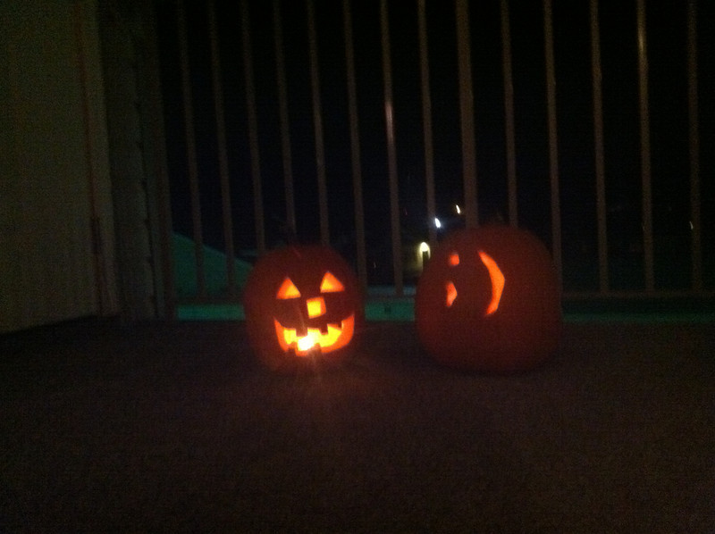 Amanda and Chelsea carved pumpkins in Idaho.