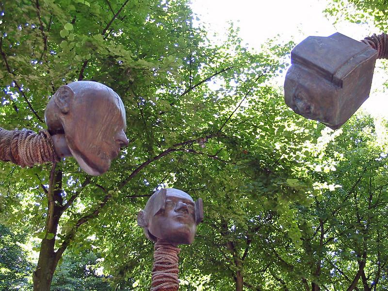 heads open air art