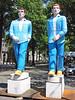 clones statues open air art