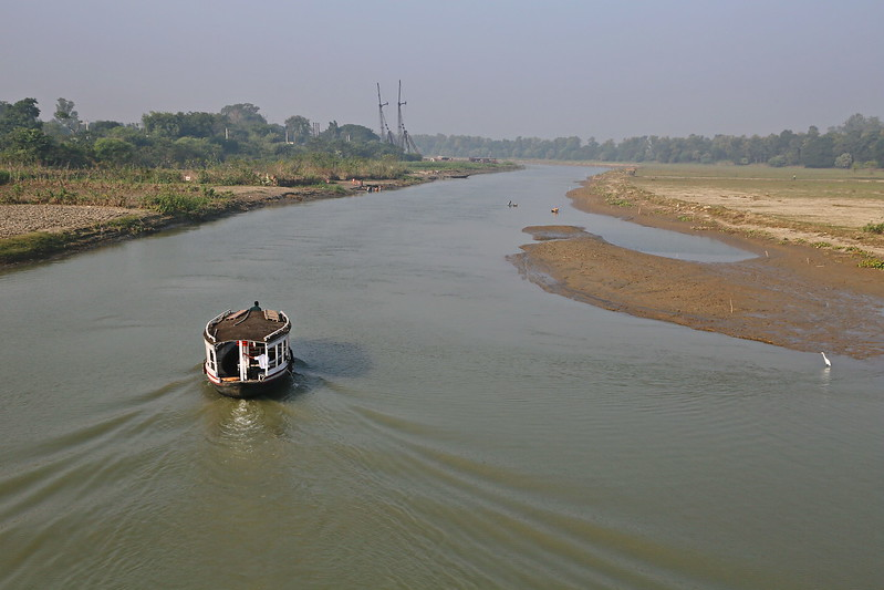 Ganges Tour - Farakka - Passing Through the Canal and Locks to the Hooghly 07