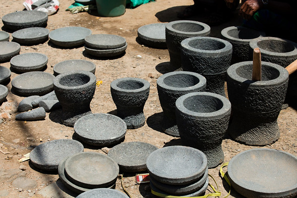Between the main road and market there are lots of sellers. Mortar and pestle in this particular case.