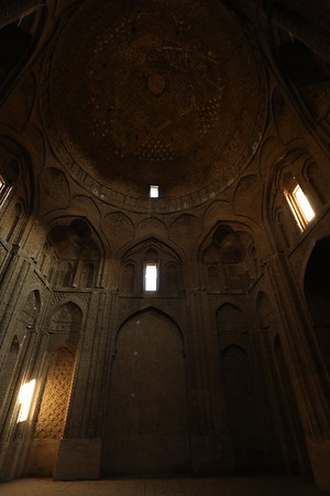 There were several imposing rooms but difficult to take good pictures of them.