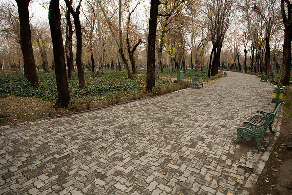 Shahr Park was almost deserted. There is still some vegetation at the end of December but this is certainly not the best time of the year to visit Iran. All the parks and gardens will not look best but, at the same time, you will be mostly alone.