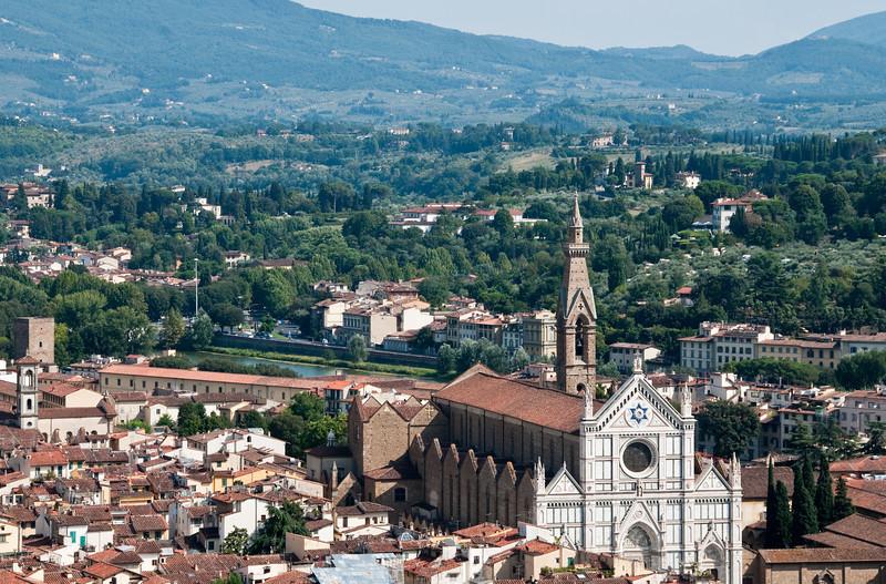Eglise Santa Croce, vue depuis le d™me de la cathedrale, Florence, Italie