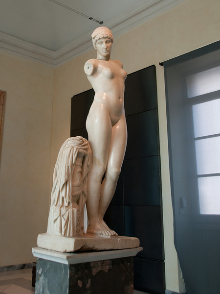 Statue of the Esquiline Venus<br /> Early imperial period<br /> Marble <br /> Capitoline Museums, Rome Italy.