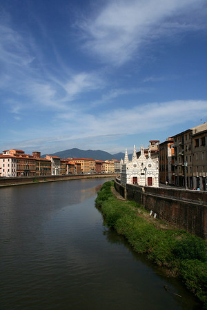 """Santa Maria della Spina"" and the river Arno"