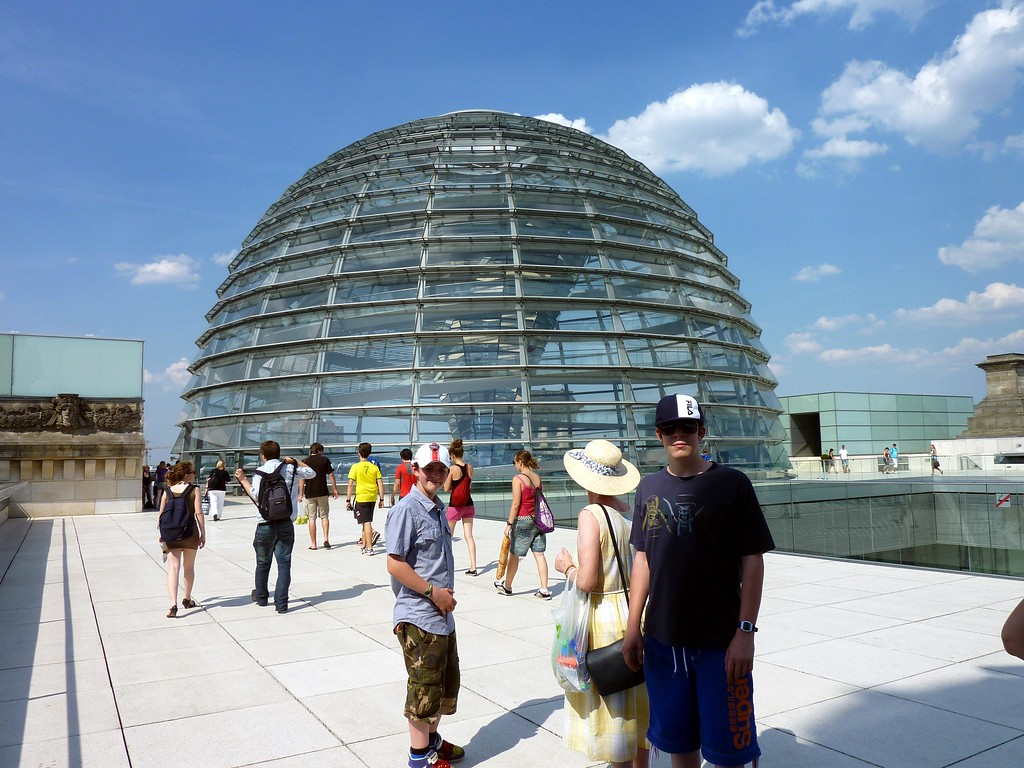 J&I and Mary infront of Reichstag Dome