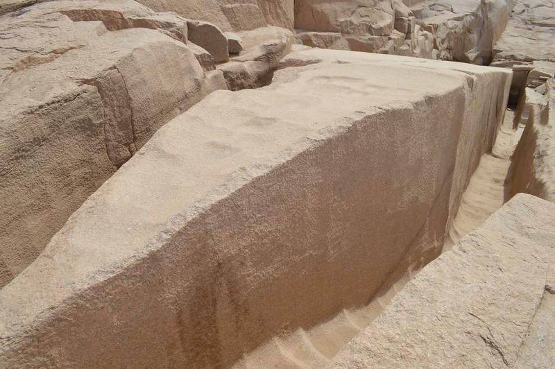 30187_Aswan_Unfinished Obelisk