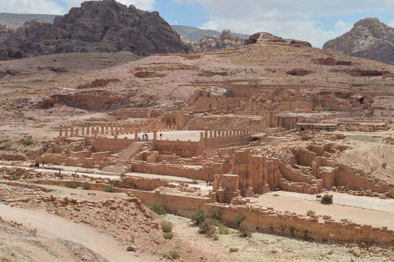 20129_Petra_Roman Temple