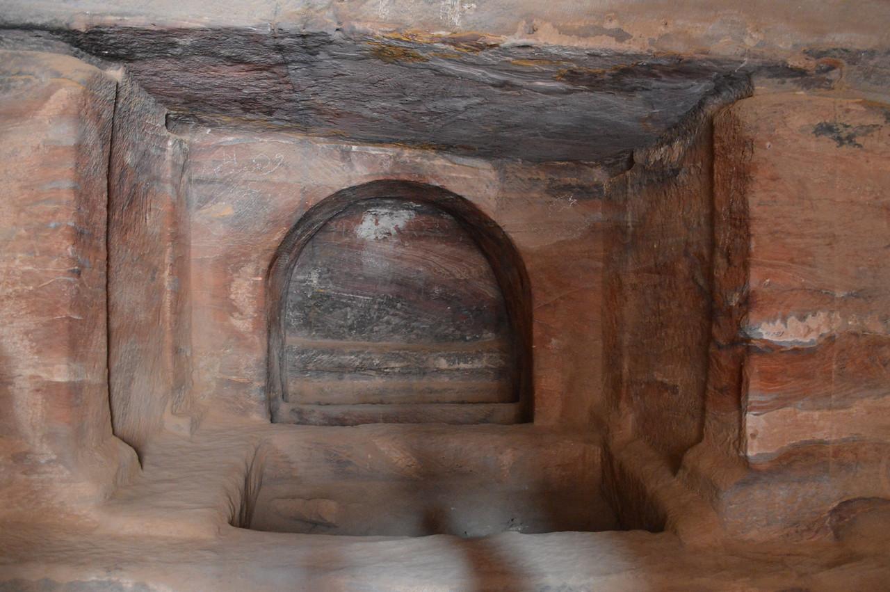 0328_Petra Tomb