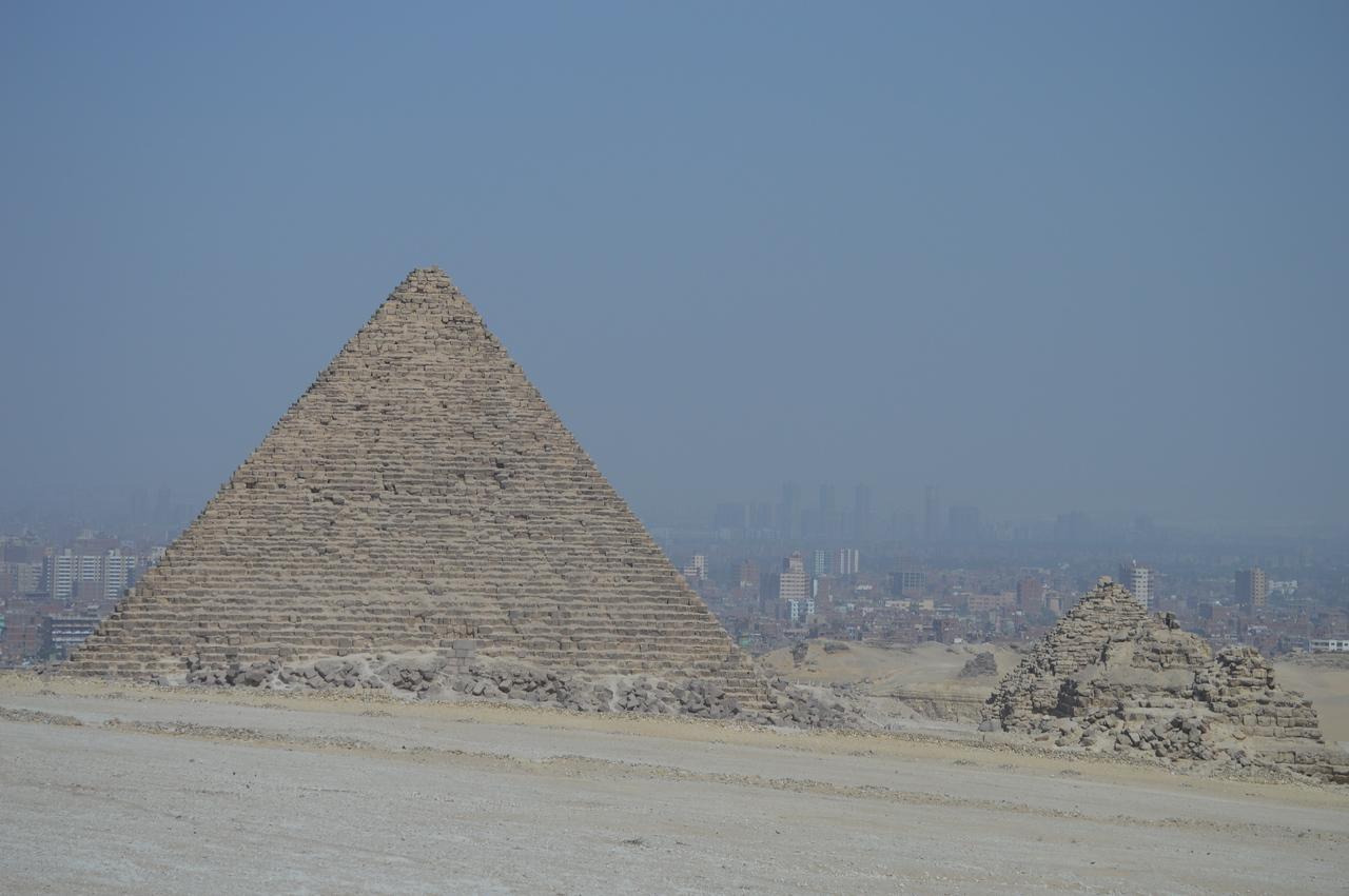 30032_Giza_Pyramids