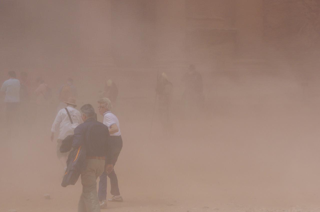 Liten sandstorm i Petra