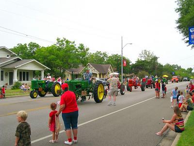 July 4th 08 Shiner Parade