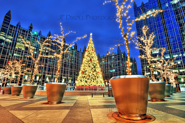 """THE CHRISTMAS PLAZA""   Recommended Print sizes* 4x6  