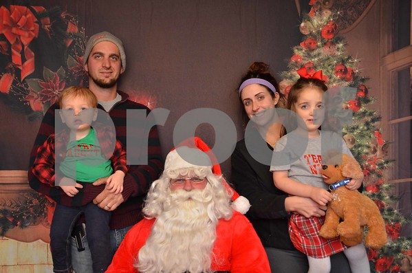 Kelly St Charles 2017 Kids Christmas Pics.