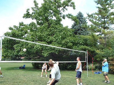 2005-9-4 Laborday Volleyball Picnic 00009