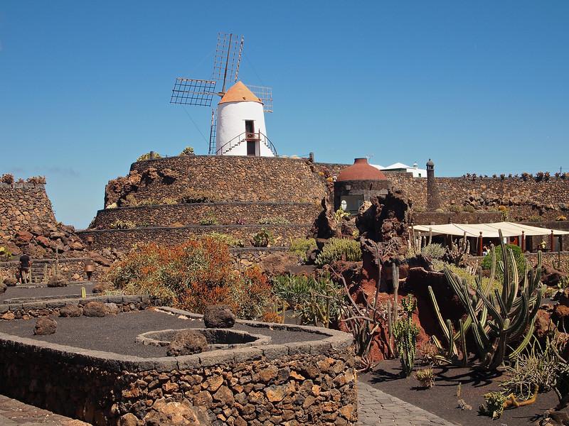 The windmill in the Jardin de Cactus.