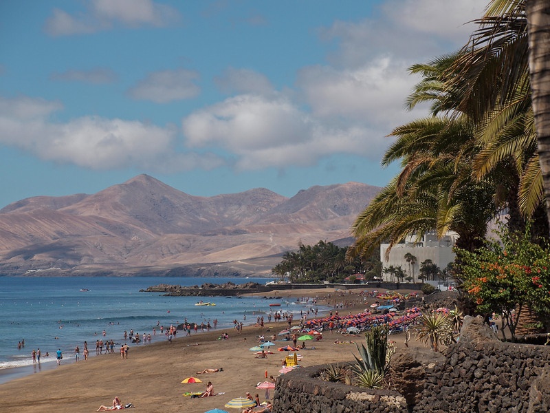 One last shot of Puerto Del Carmen's beach (at least in this direction).