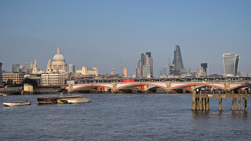London 046