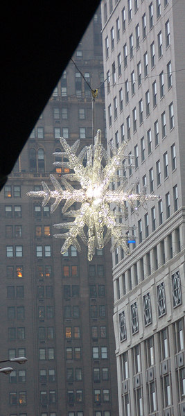 Star suspended above 5th Ave