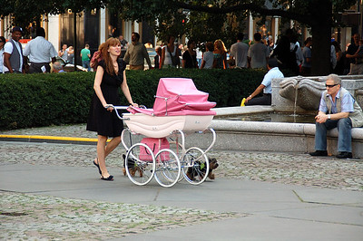 Guess the sex of the baby in the pram!