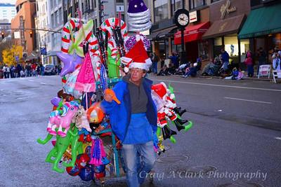 DSC_2338Macys Baloon Guy