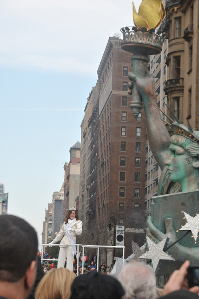 Miss America Katie Stam with Ms Lady Liberty