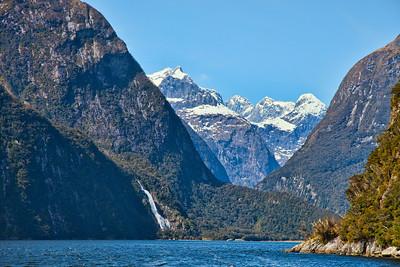 Cruise, Milford Sound, Fiordland, New Zealand