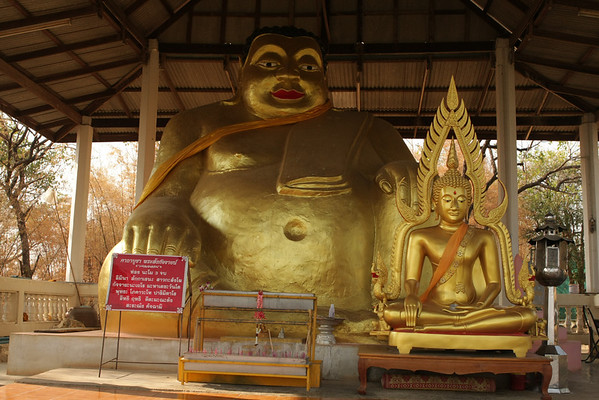 Everything in Thailand is considered a big attraction worth visiting. Many times it's not really worth but here I happened to arrive and took a look. These two statues and some nearby caves (didn't go) are all you can visit. Being located close to the river people with booked tours are brought here.
