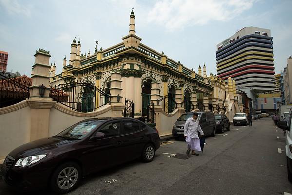 Abdul Gaffoor Mosque near Little India.