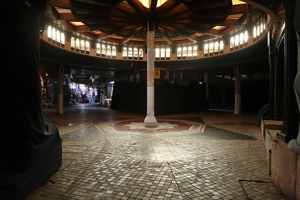 During the day the souk is almost deserted. Only a few shops are open.