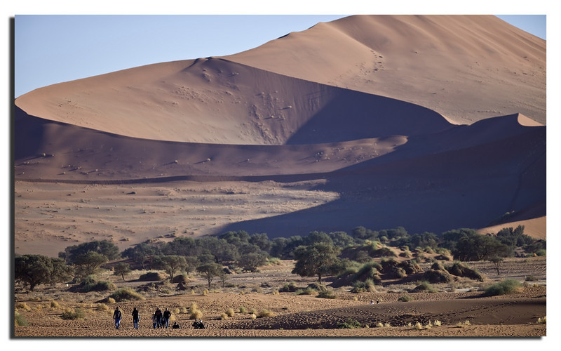 63. As we left the Dead Vlei valley, the rush hour just started...............
