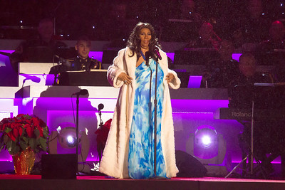 "Aretha Franklin sings ""Joy to the World"""