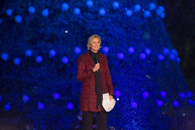 'Glee' star Jane Lynch hosted the lighting ceremony