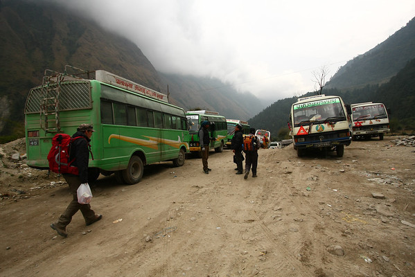 To get back in Pokhara you can either take a plane when it's nice weather or a combination of buses.