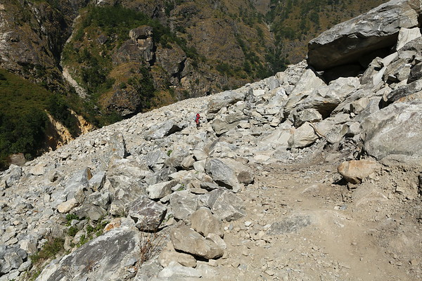 The largest landslide we encountered. At least where we were not diverted on a alternative path.