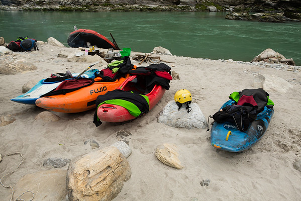 After the rafting trip we also took a 4 days kayak school for beginners. This time we had a boat with equipment and 2 instructors plus an apprentice.