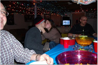2006-12-31 NEW YEAR'S AT VAL & DAN'S 00047